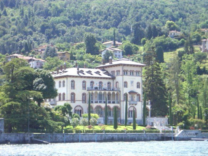 イタリア旅行コモ湖沿い別荘