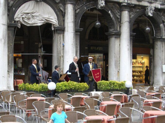 ヴェネツィア サンマルコ広場 カフェ