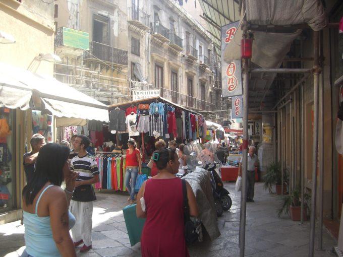 パレルモ商店街