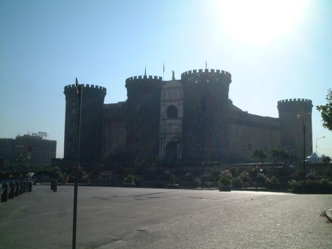 ナポリヌオーヴォ城