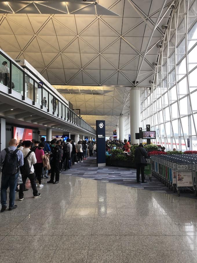 香港国際空港出発ロビー